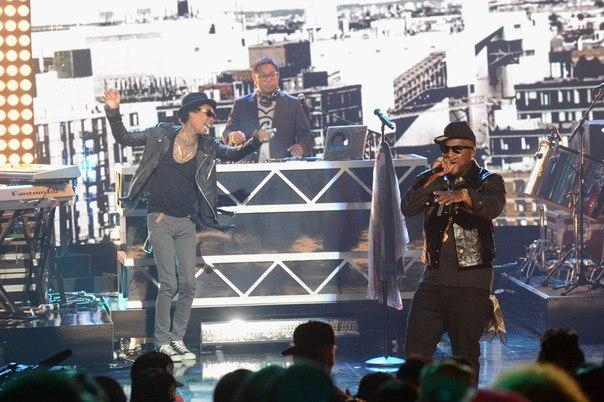 Вторая часть фото с церемонии BET Hip-Hop Awards.