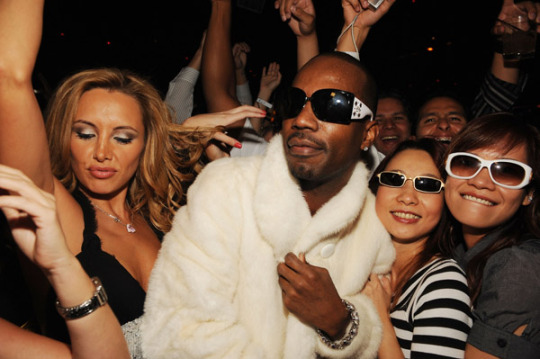 Juicy J Ft Young Jeezy & Big Sean – Show Out
