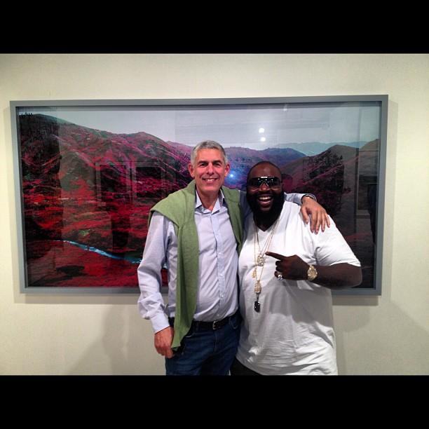 В своем первом интервью в 2013 году, Rick Ross встретился с Peter Bailey