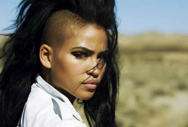Некий DJ Aliiee сделал ремикс на трек Cassie - «Numb»