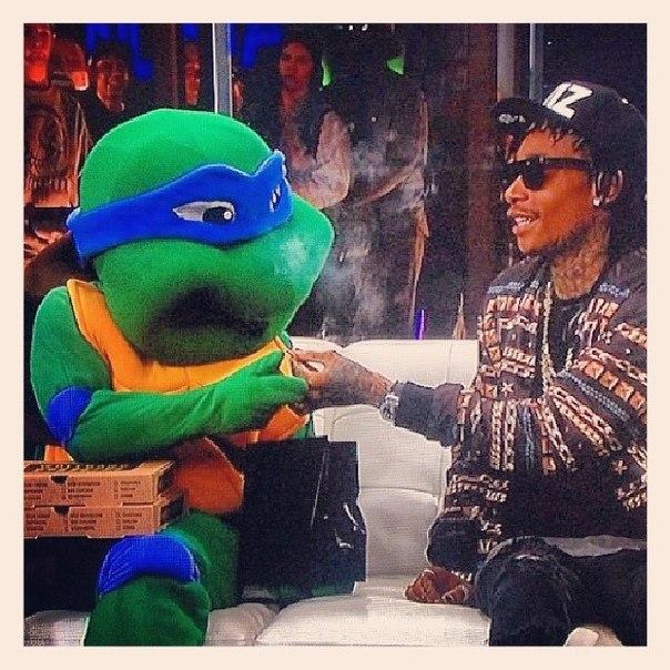 "Wiz Khalifa говорит о ""Blacc Hollywood""."