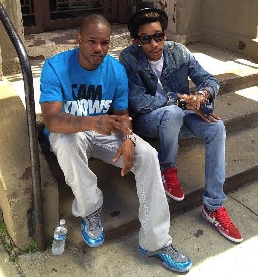 Wiz неоднократно заявлял о том, что Cam'ron является его любимым рэпером и он мечтал бы записать с ним совместку.