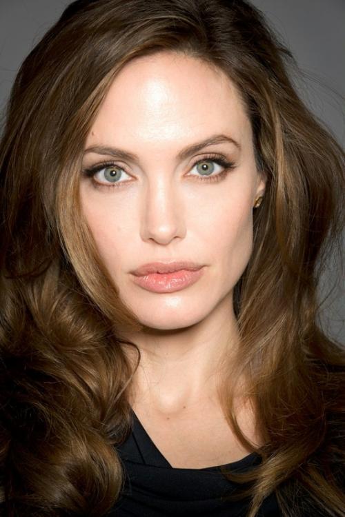 Непревзойденная, великолепная, умопомрачительная Анджелина Джоли