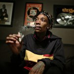 Wiz Khalifa исполняет «Stayin' Out All Night» на шоу Джимми Фэллона.