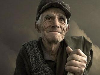 Венец старости — всеобщее уважение и влияние.