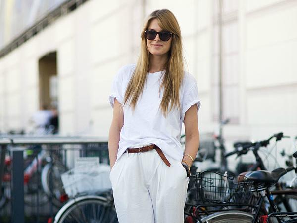 С чем носить белые майки и футболки