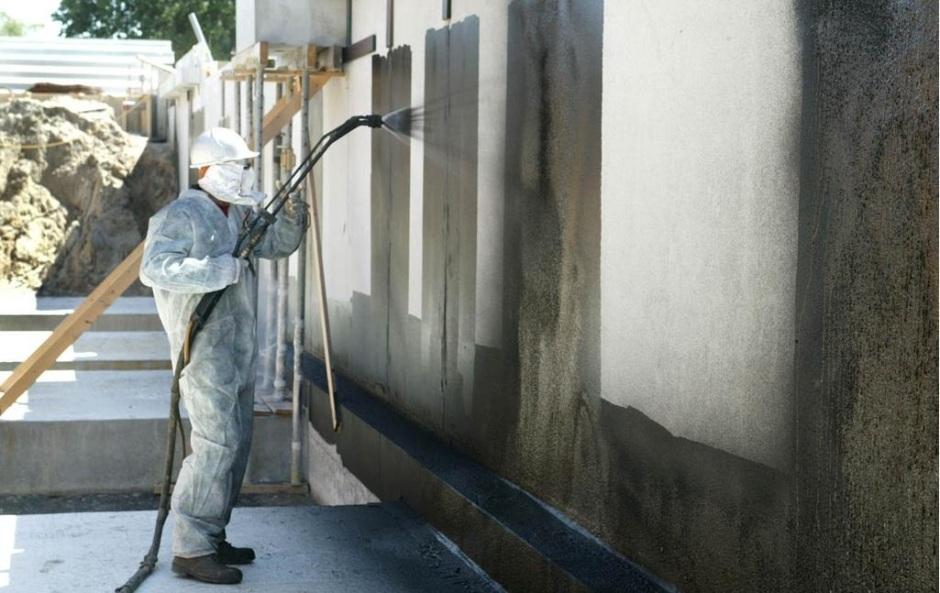 gidroizoljacija-betonnogo-bassejna